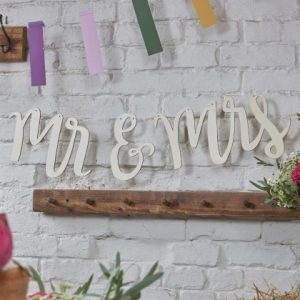 mr_and_mrs_wooden_bunting
