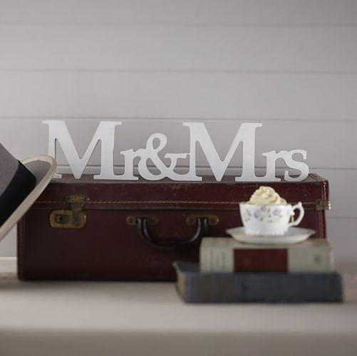 Mr__Mrs_senal_madera-2_opt