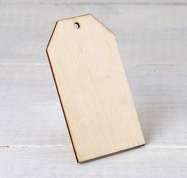 tarjeta-de-madera-con-agujero