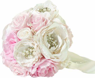 ramo de rosas rosas y marfil en foam y papel
